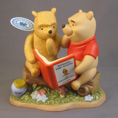 Classic Pooh & Disney Pooh with book figure (Enesco)