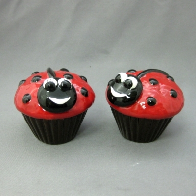 Ladybug Cupcakes salt & pepper - Apple Tree