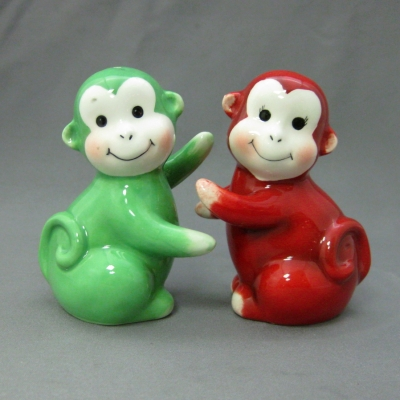 Monkeys (Red & Green) salt & pepper - Apple Tree