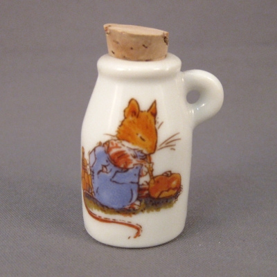 Brambly Hedge mini jug (NOT Royal Doulton)