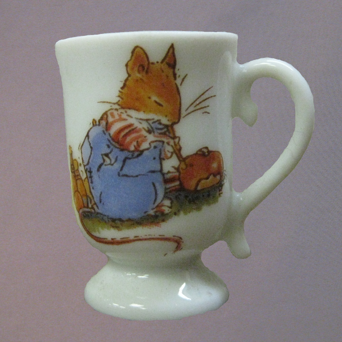 Brambly Hedge mini footed mug (NOT Royal Doulton)
