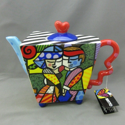 Dance teapot - Britto