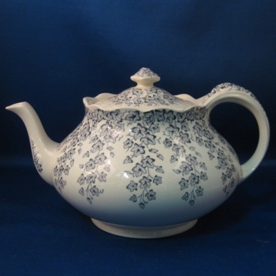 Crown Ducal Early English Ivy - Blue-Gray teapot