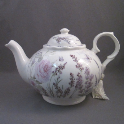 Lavender and Rose teapot - Delton