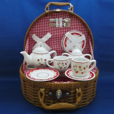 Cherry child's tea set (15 piece) with basket - Delton
