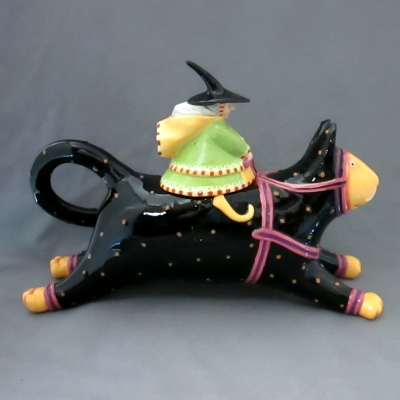 Krinkles Witch Cat-Rider teapot - Department 56