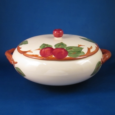 Franciscan Apple (American) round covered vegetable bowl