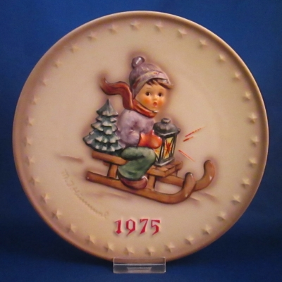 1975 Annual Plate - Boy on sled