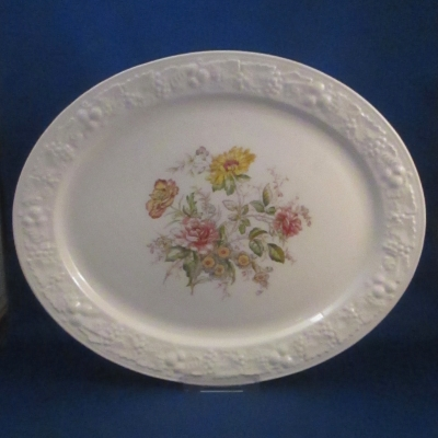 Homer Laughlin TH6 small oval platter