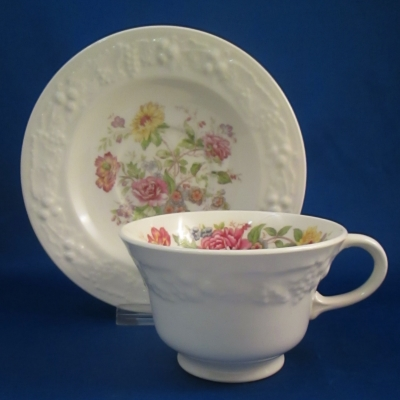 Homer Laughlin TH6 cup & saucer