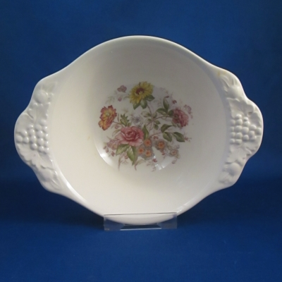 Homer Laughlin TH6 lugged cereal bowl