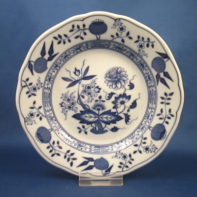 Hutschenreuther Blue Onion bread & butter plate