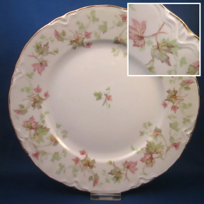 Hutschenreuther Maple Leaf, Scalloped dinner plate