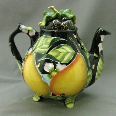 Pear teapot - Icing on the Cake (Jeanette McCall)