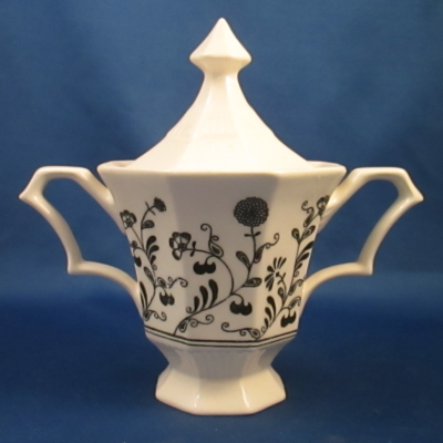 Independence Millbrook sugar bowl with lid