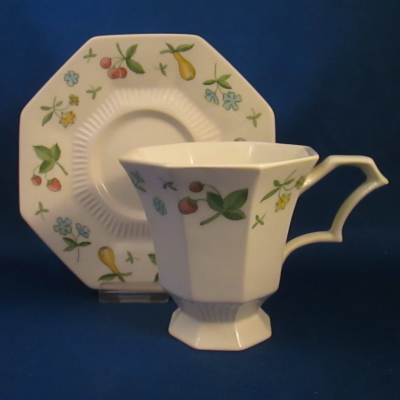 Independence Old Orchard cup & saucer