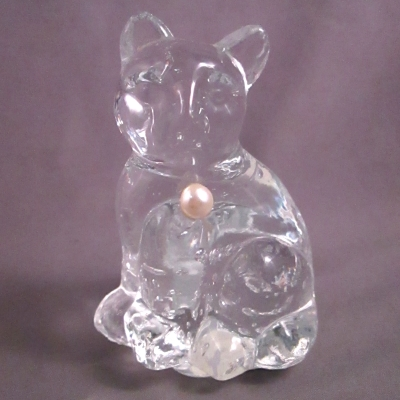 Lefton Glass Birthstone Cat - June Pearl