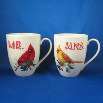 Winter greetings red ribbons holly pinebirdsgold trim lenox winter greetings mr and mrs mug set 2 piece m4hsunfo
