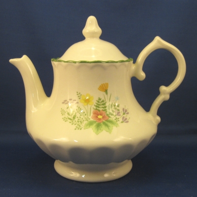 Metlox Meadow teapot