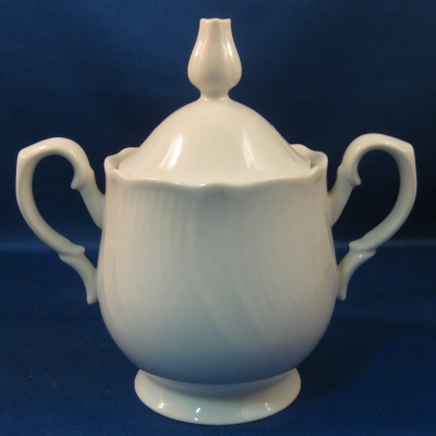 Mikasa Coquille sugar bowl with lid