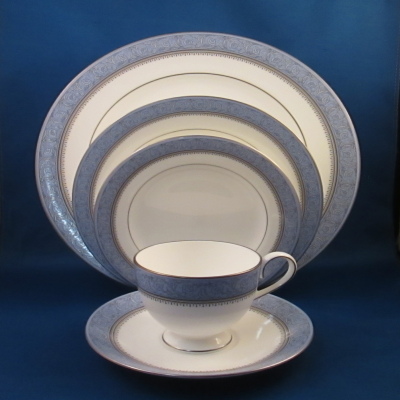 Nikko Montvale 5 piece place setting