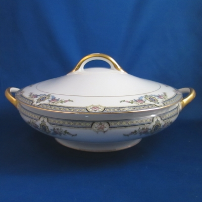 Noritake Aberdeen round covered vegetable bwol