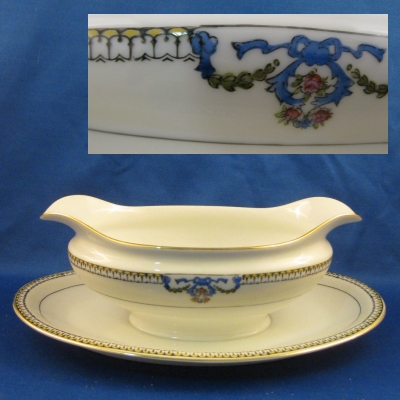 Noritake Beaumont 69534 gravy with attached base