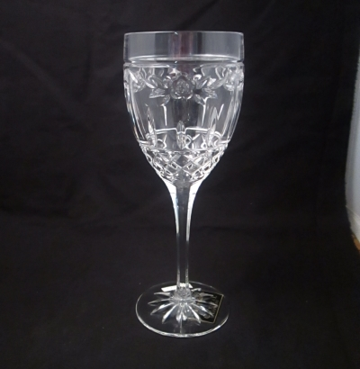 Noritake Darnell wine glass