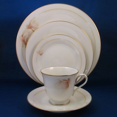 Noritake Devotion 5 piece place setting