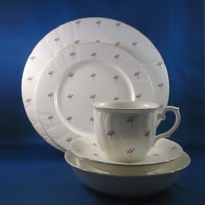 Noritake Dominique 5 piece place setting