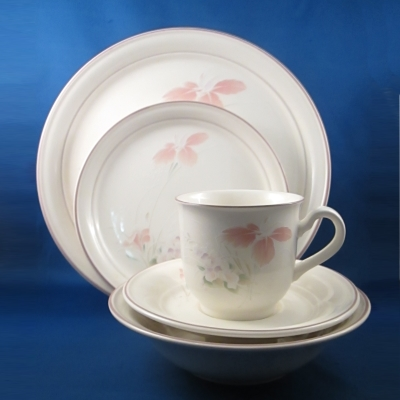 Noritake Spring Orchid 5 piece place setting