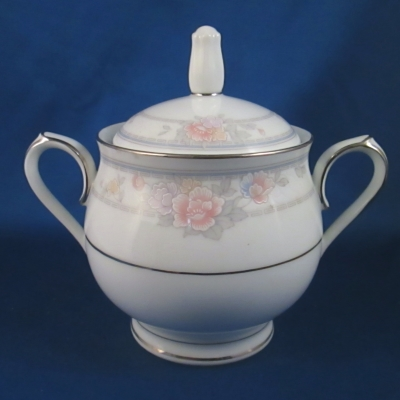 Noritake Newbury sugar bowl with lid