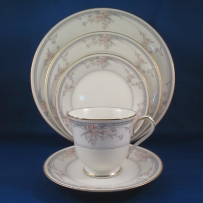 Noritake Orient Point 5-piece place setting