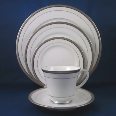 Noritake Portia 5 piece place setting