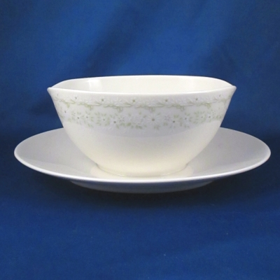 Noritake Primavera gravy with attached base