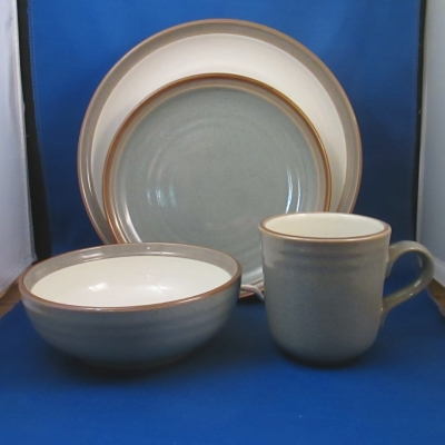 Noritake Sanibel Green 4 piece place setting