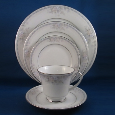 Noritake Silk Garland 5 piece place setting