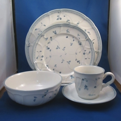 Noritake Strawberry Delight 20 piece set (4 place settings)
