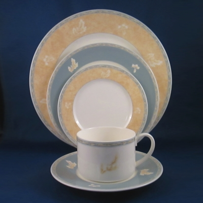 Noritake Summer Gold 5 piece place setting
