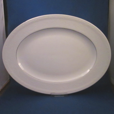 Noritake Whitecliff Platinum medium oval platter