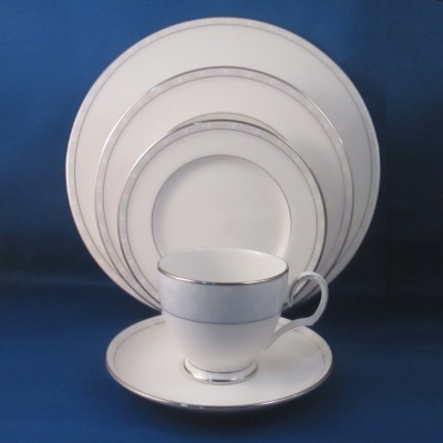 Noritake Aria Platinum 5 piece place setting