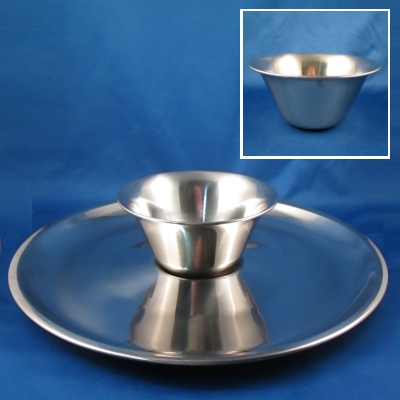 Oneida stainless chip and dip set