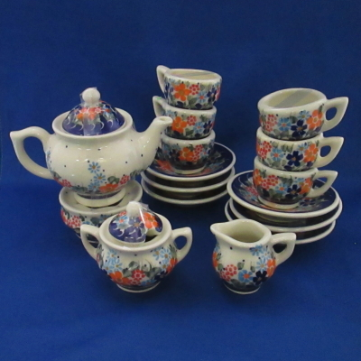 Polish Pottery child's tea set (18 pc) multifloral