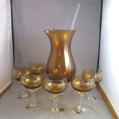 Sasaki Coronation-Amber 8 piece martini set