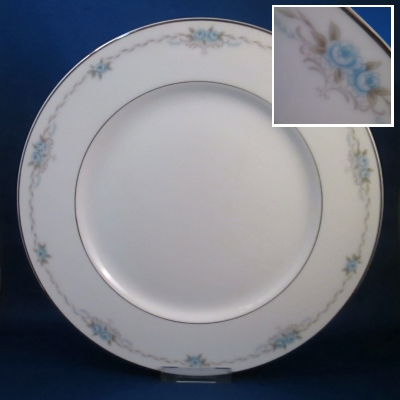 Style House Corsage dinner plate