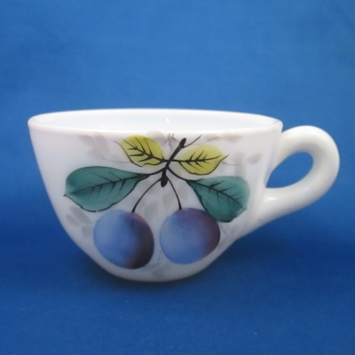 Westmoreland Beaded Edge - Fruit cup (plums)